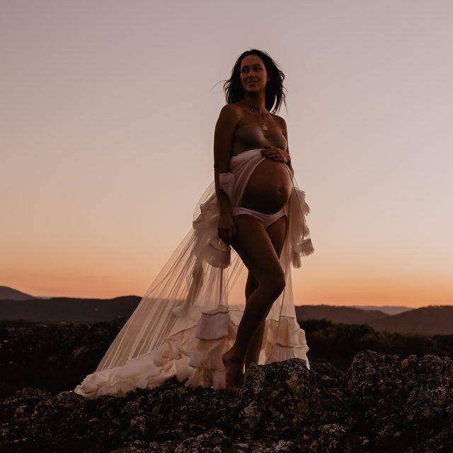 Courtney // 34 weeks // August 2019 // Emu Mountain